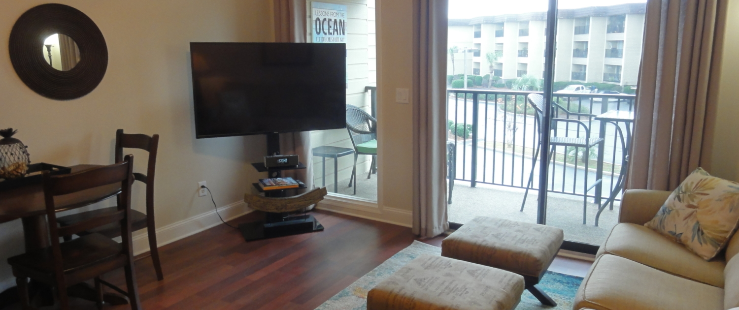 Hilton-Head-Beach-and-Tennis-Resort-C250-Living-room-View