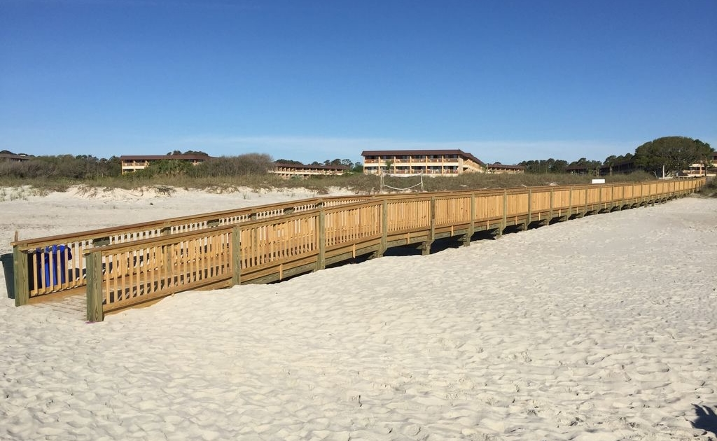 Boardwalk-Hilton-Head-Beach-Tennis-Resort