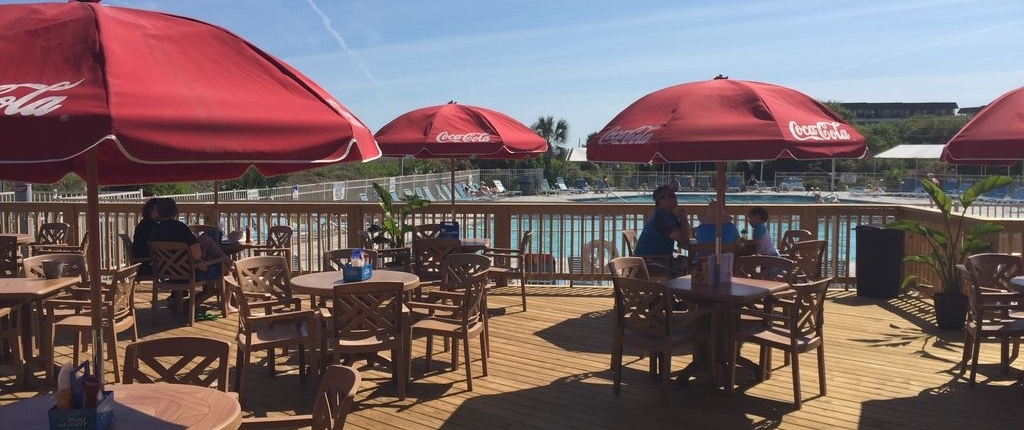 Hilton-Head-Island-Beach-and-Tennis-Resort-Jamaica-Joez-Poolside-Restaurant