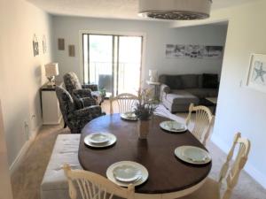 Unit-D20-Xanadu-Villas-South-Forest-Beach-Hilton-Head-Vacation-Rental
